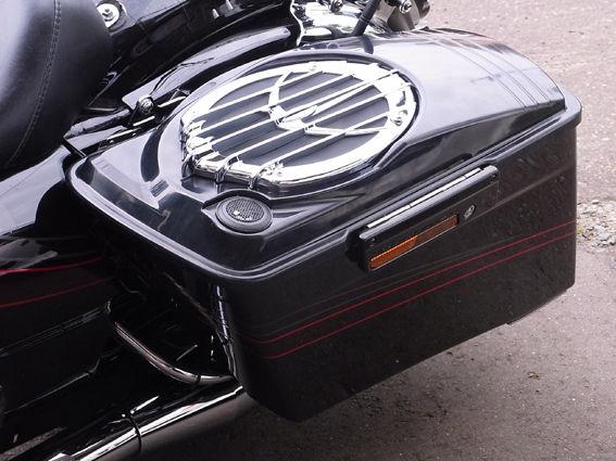 "Injection Molded Saddlebag Lids With 6""x9"" kicker speakers"
